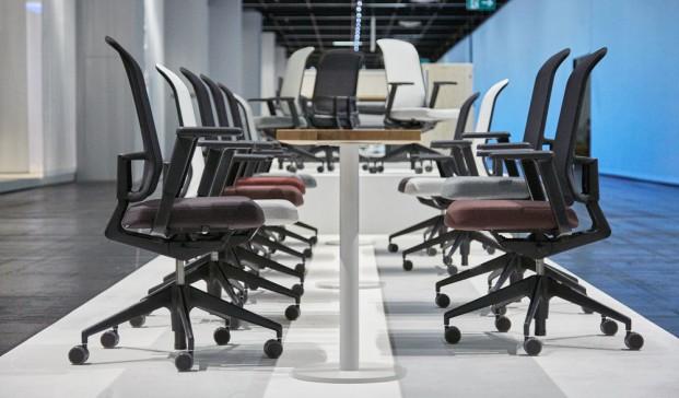 vitra en orgatec sillas AM Chair de Alberto Meda trabajo diariodesign