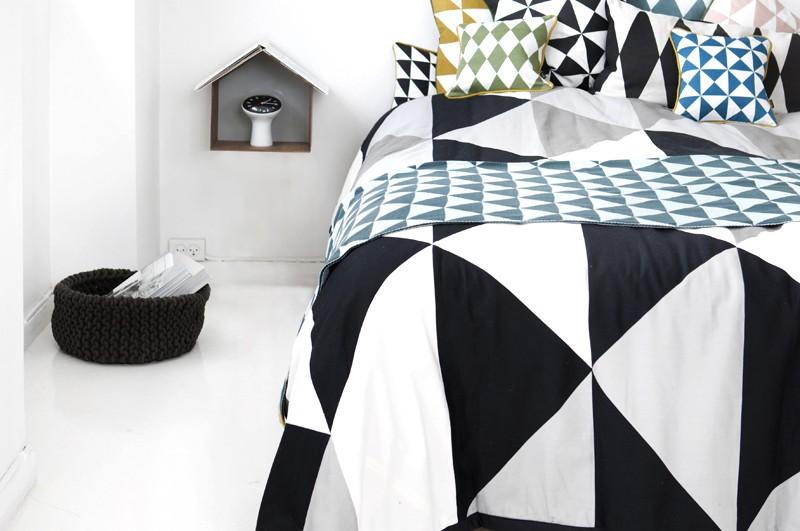 set-geometry-cushions-2