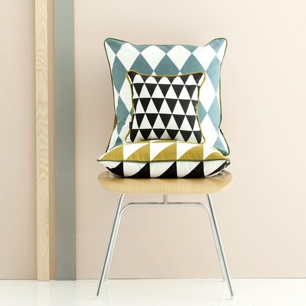 set-geometry-cushions-3