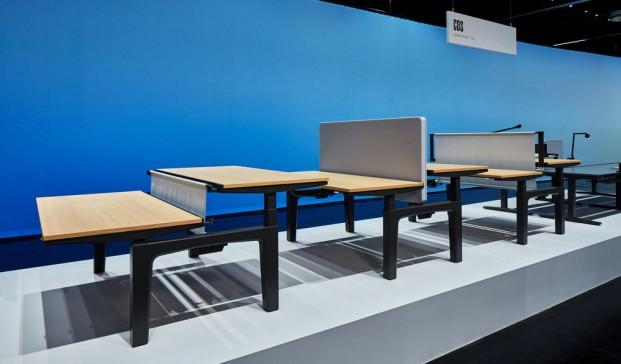 mesas de oficina de vitra en feria orgatec colonia diariodesign