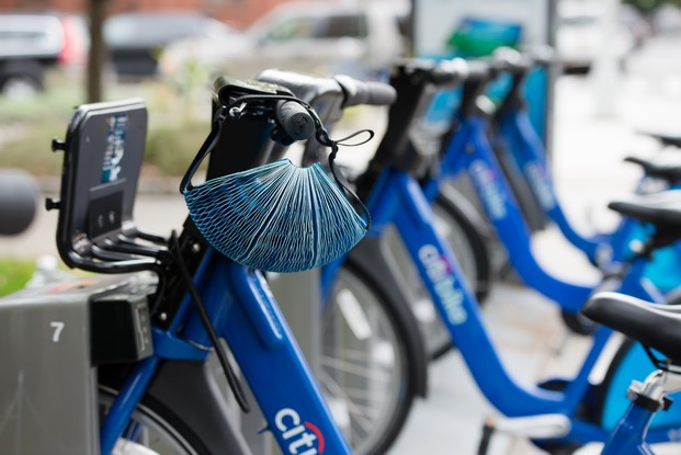 casco de bicicleta ecohelmet colgado ganador dyson award 2016