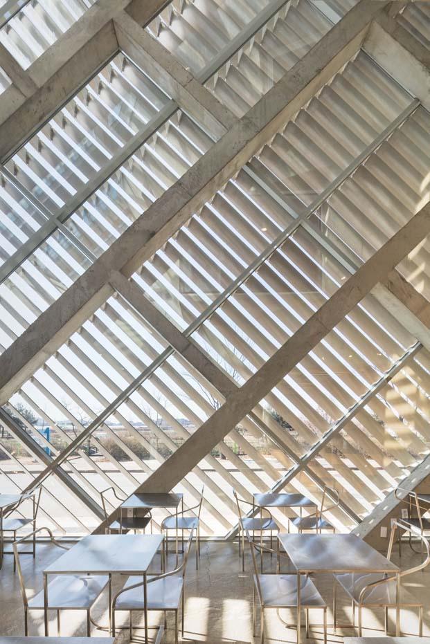 louverwall cafeteria en corea del sur fachada cortinas de aluminio diariodesign