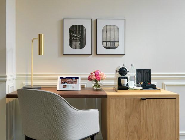 H10 Casa Mimosa en barcelona sandra tarruella diariodesign detalle escritorio
