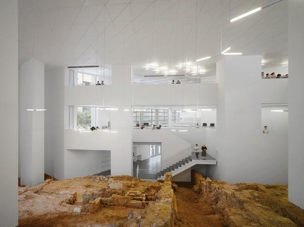 Ceuta Public Library, de Paredes Pedrosa Arquitectos © Roland Halbe