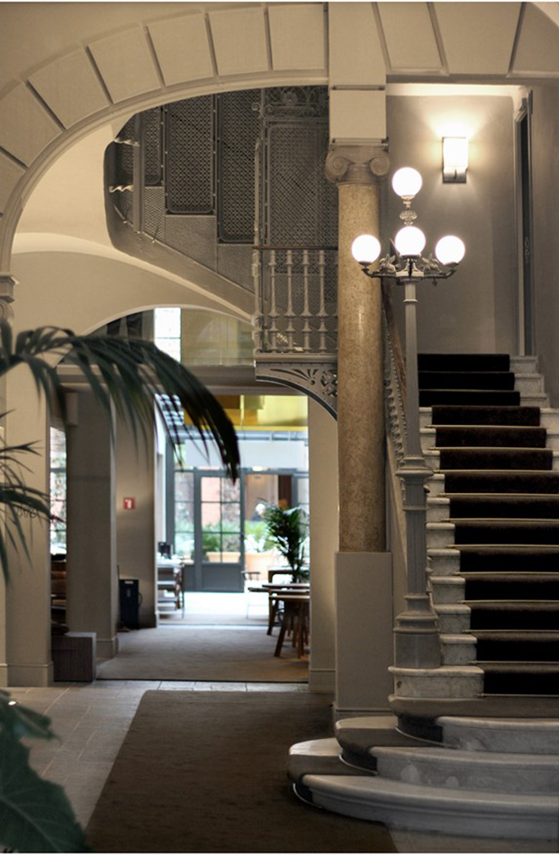 escalera H10 Casa Mimosa en barcelona sandra tarruella diariodesign