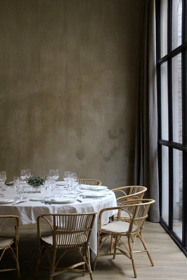 Casa Mimosa H10 en barcelona mesa restaurante sandra tarruella diariodesign