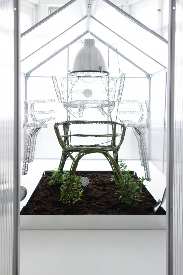 wa_chair-farm-haw_1_studioaisslinger