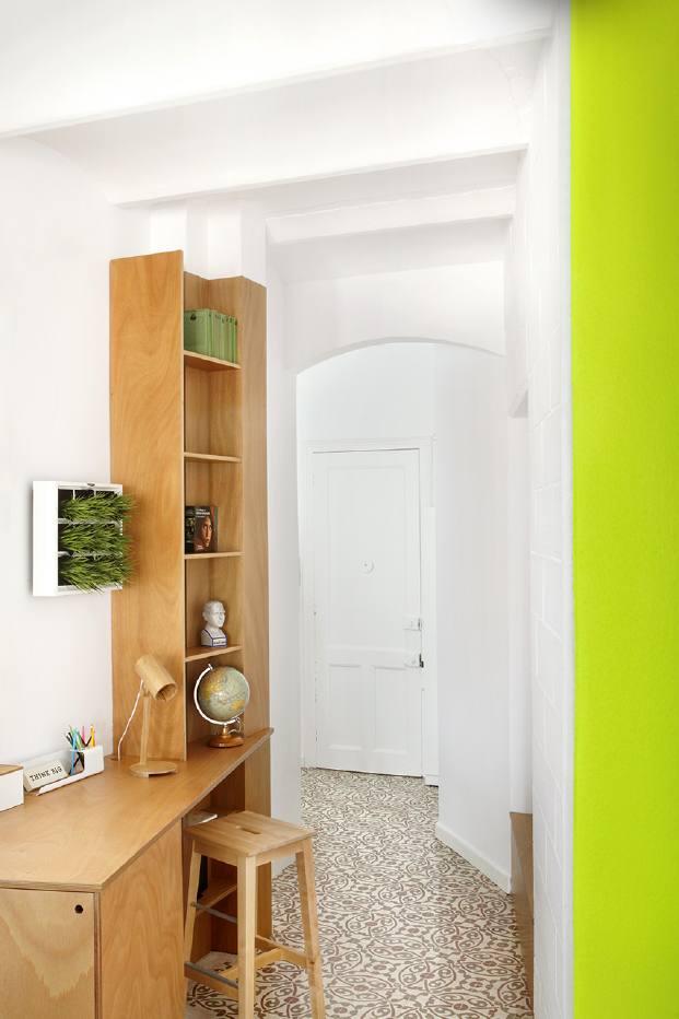 recibidor pequeno piso en barcelona diariodesign