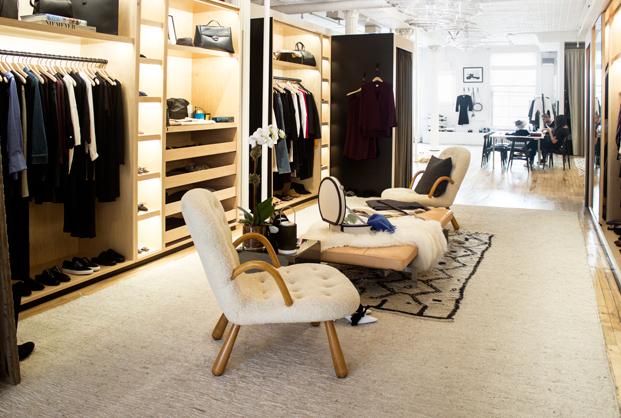 marta-caro-directora-creativa-the-line-the-apartment-ny-entrevista-gente-slowkind-diario-design-interior-vestidor