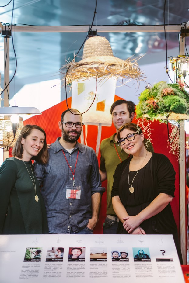 equipo de Fragments con lamp it premio campari del design market 2016