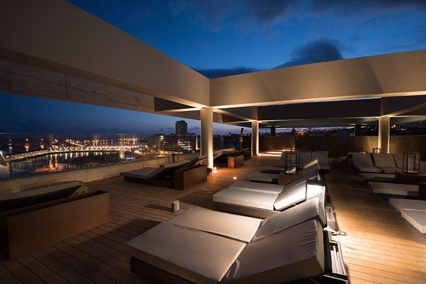 hotel azor vista nocturna