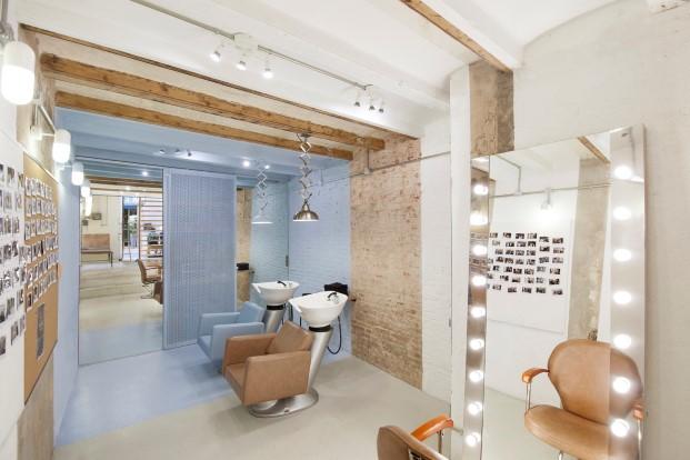 pelroig peluquero moderno en barcelona