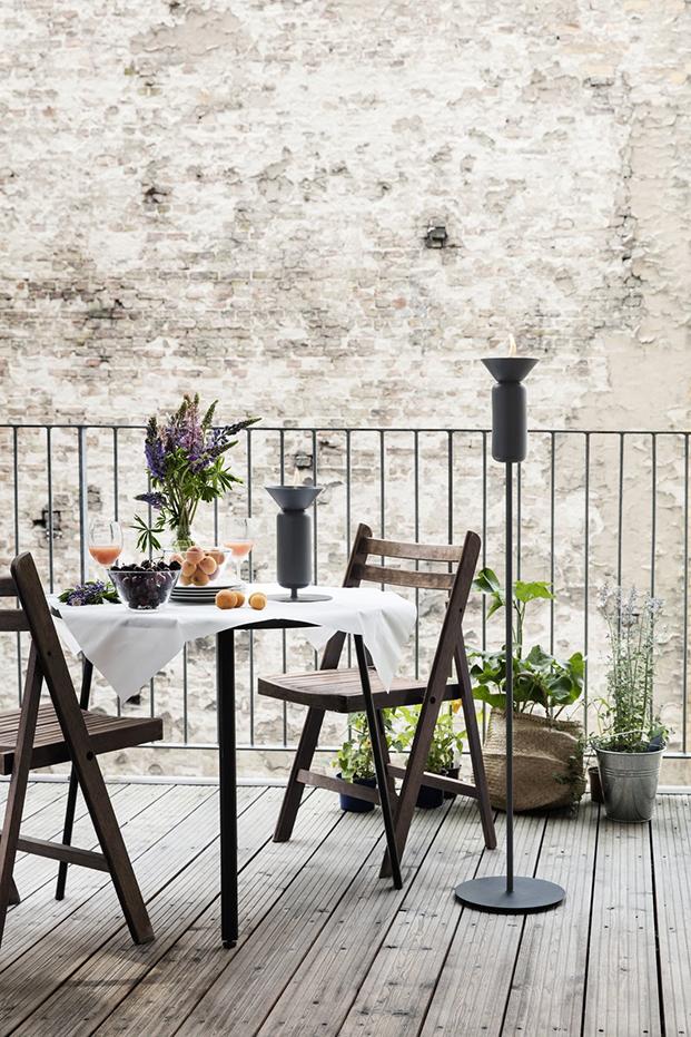 poppy_black-grey_skinny_table_and_long_balcony