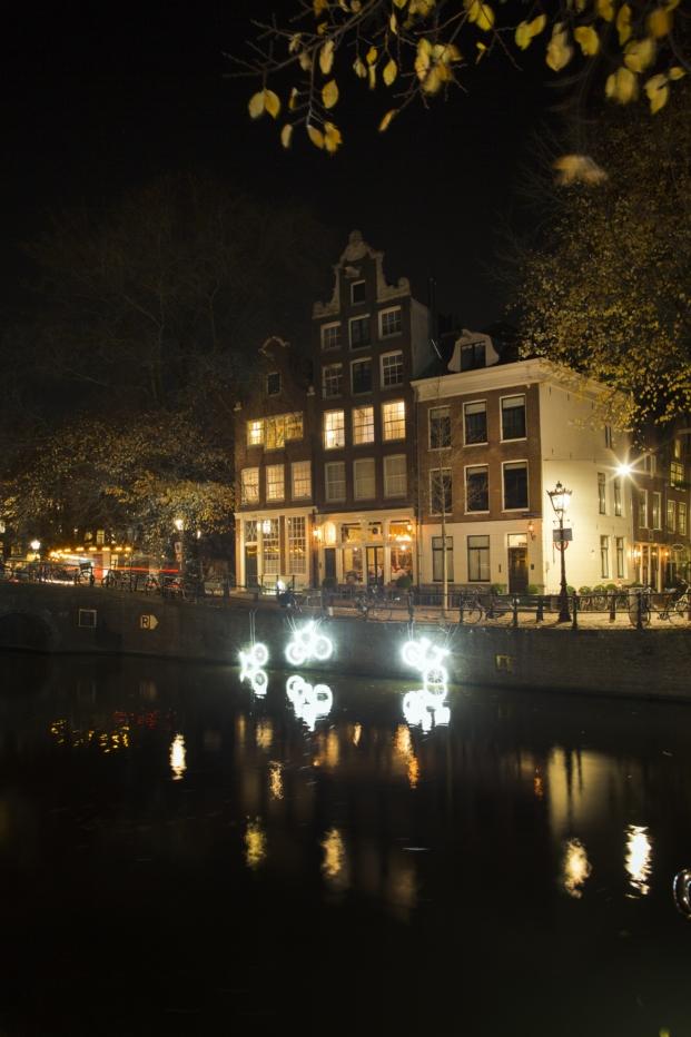 amsterdam-light-festival-2016-15000-and-more-studio-klus-copyright-janus-van-den-eijnden-1