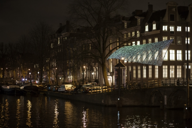 amsterdam-light-festival-lightwaves-benthem-crouwel-architects-en-jolan-van-der-wiel-copyright-janus-van-den-eijnden-1