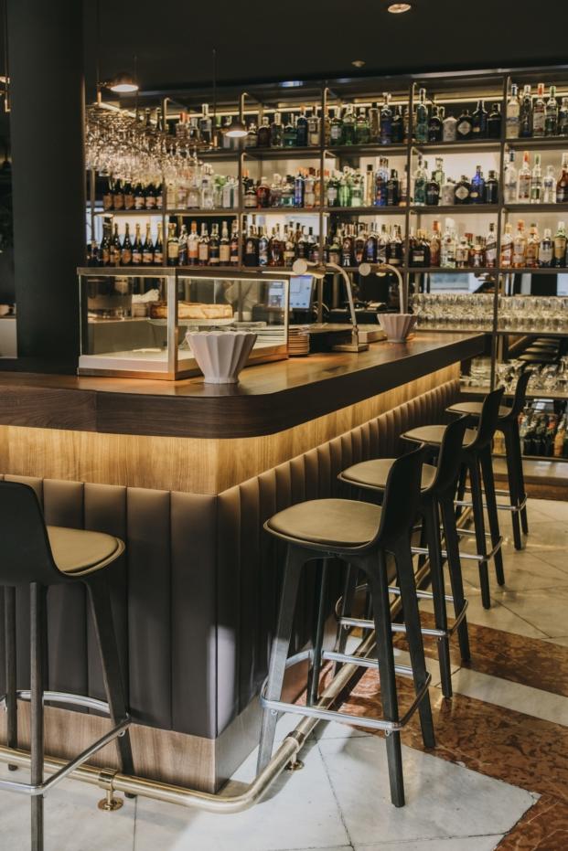barra central la primera restaurante en madrid de sandra tarruella studio diariodesign