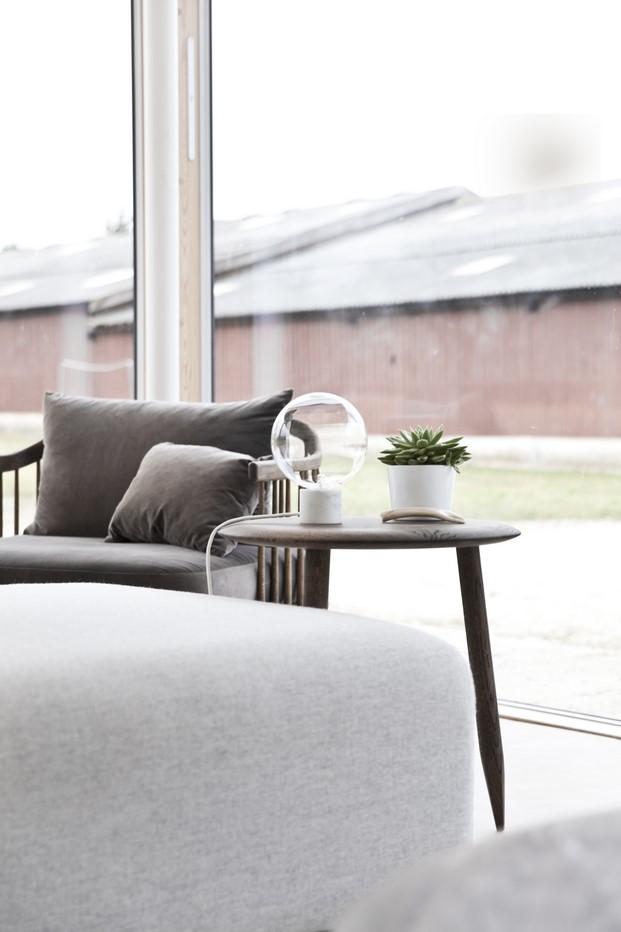 mobiliario Reydon Grove Farm de norm architects casa granja en diariodesign