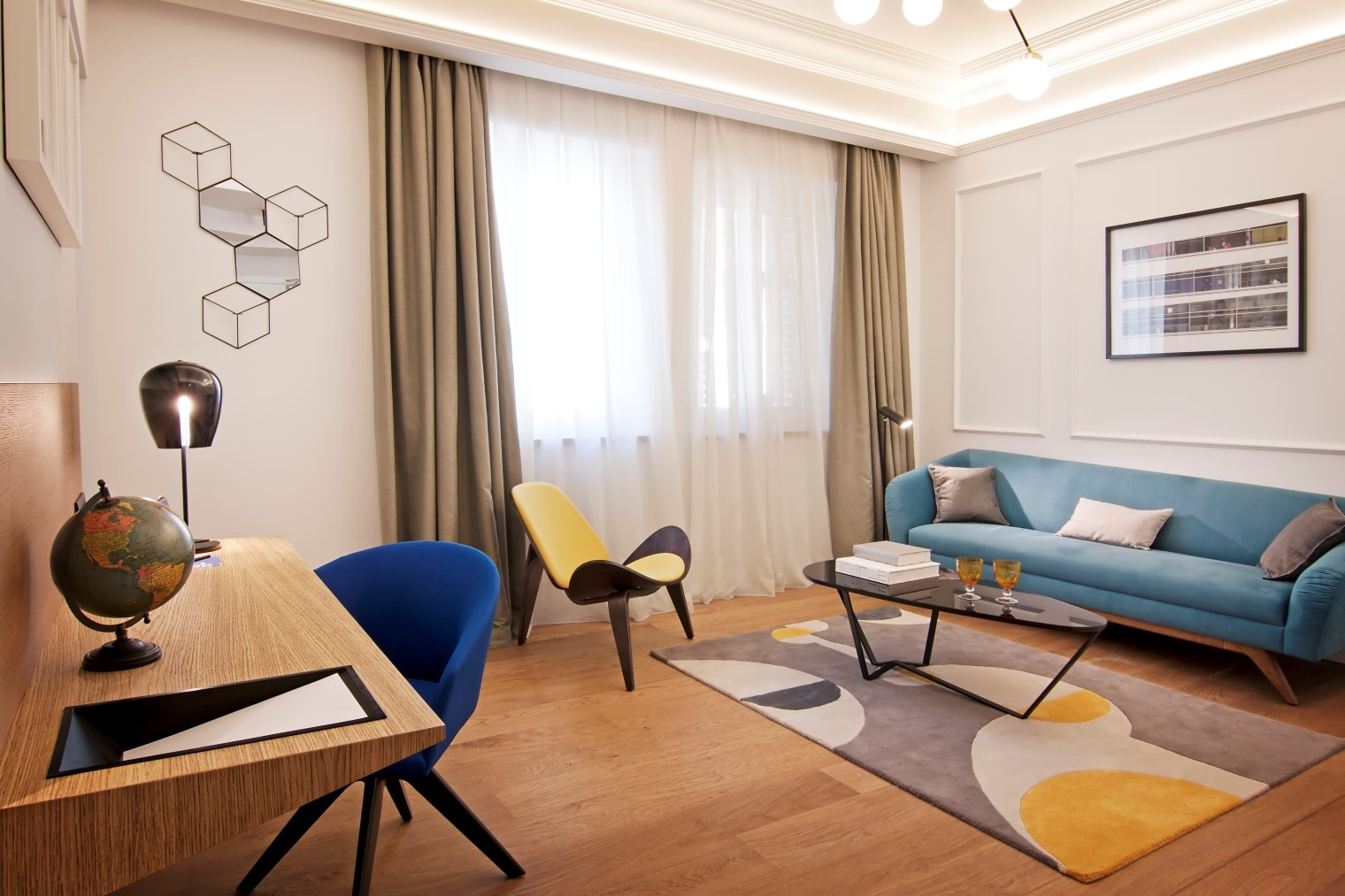 Hotel one shot palacio reina victoria for Hotel diseno valencia