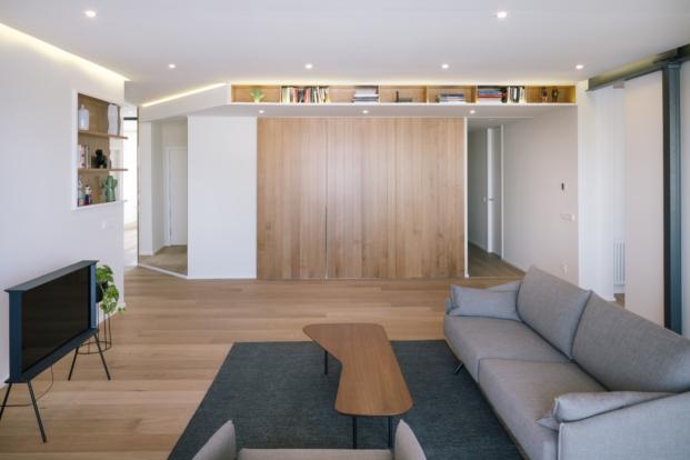reforma de piso en madrid puerta cocina cerrada por zooco estudio