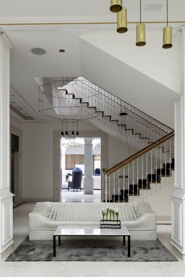 escalera hotel gran melia palacio de los duques en madrid velazquez diariodesign