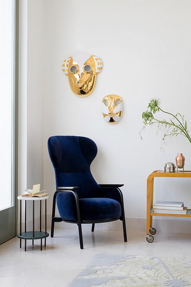 butaca en azul hayon para wittmann furniture diariodesign