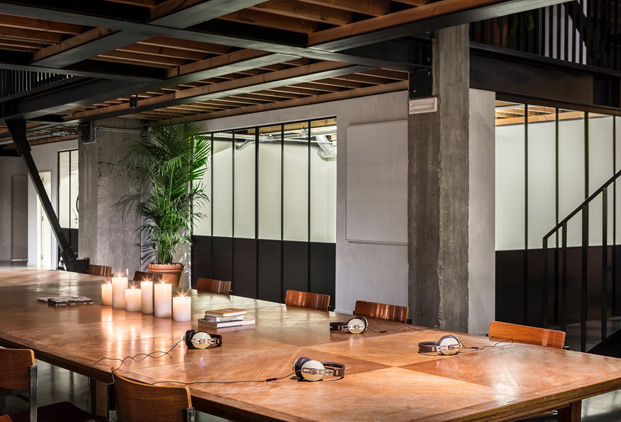 12-Fosbury Sons-Antwerp-Going East-diariodesign