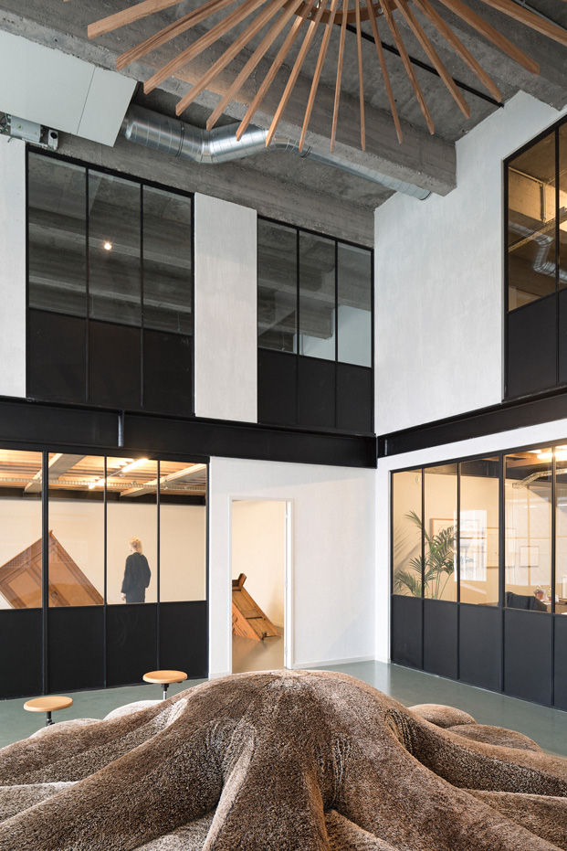 5-Fosbury Sons-Antwerp-Going East-diariodesign