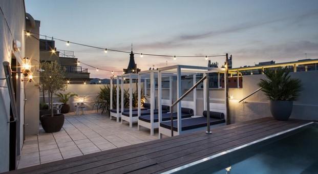 Hotel MIdmost Luzio terraza