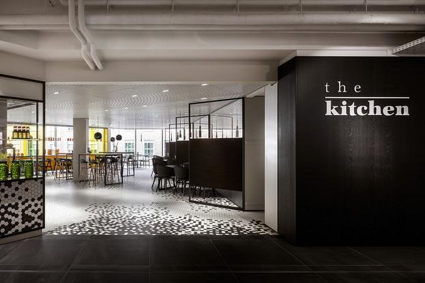 restaurante the kitchen diseno en verde en los almacenes Bijenkorf diariodesign