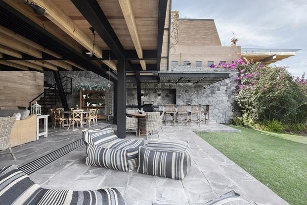 muebles de exterior terraza original Casa  en mexico de studio Metodo diariodesign
