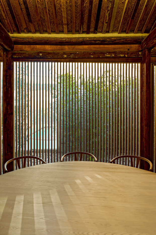 mesa en Tea House in Hutong pekin Arch Studio diariodesign