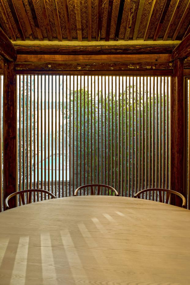 mesa en Tea House in Hutong pekin Arch Studio diariodesign
