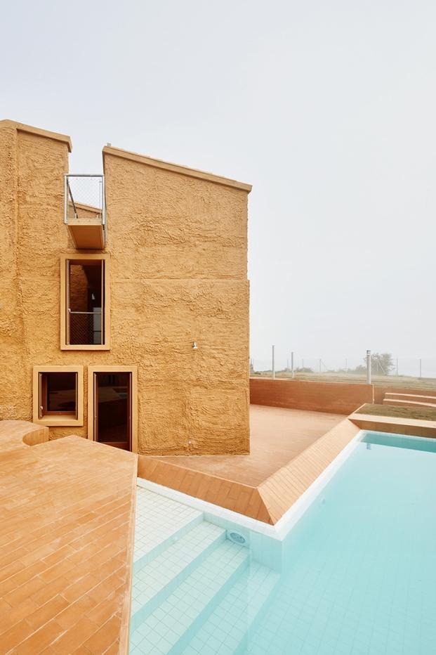 piscina viviendade  arquitectura g en barcelona diariodesign