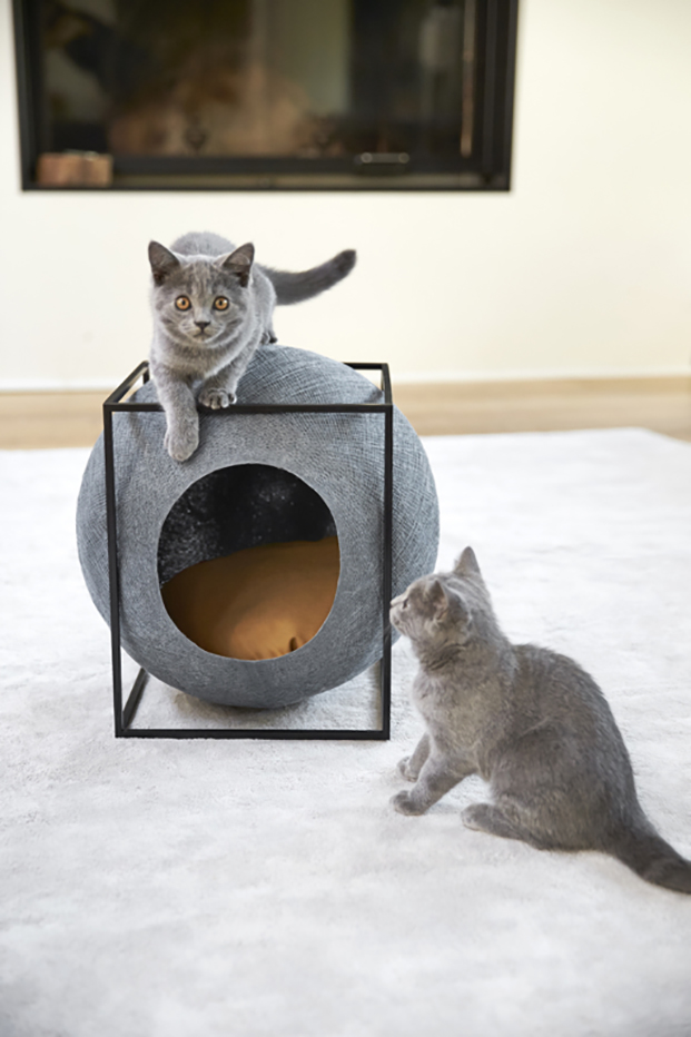 meyou paris le cube en gris casas para gatos en diariodesign