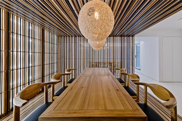 mesa casa de madera en Pekin de archstudio diariodesign