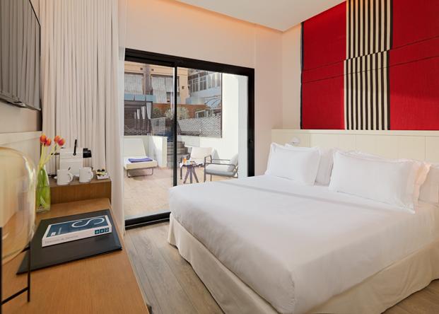 Lazaro Rosa Violan room H10 Cubik hotel barcelona diariodesign