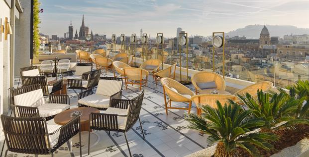 Lazaro Rosa-Violan terraza kettal Hoteles h10 Cubik hotel barcelona diariodesign