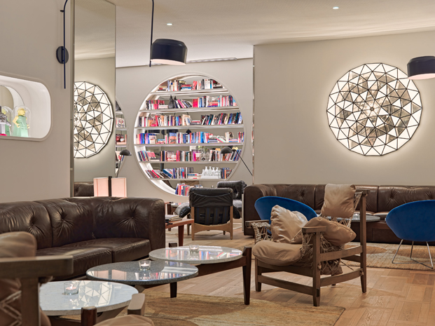Lazaro Rosa Violan biblioteca H10 hotel Cubik en barcelona diariodesign