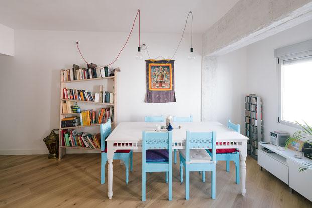 salon de apartamento reformado por PYO arquitectos diariodesign