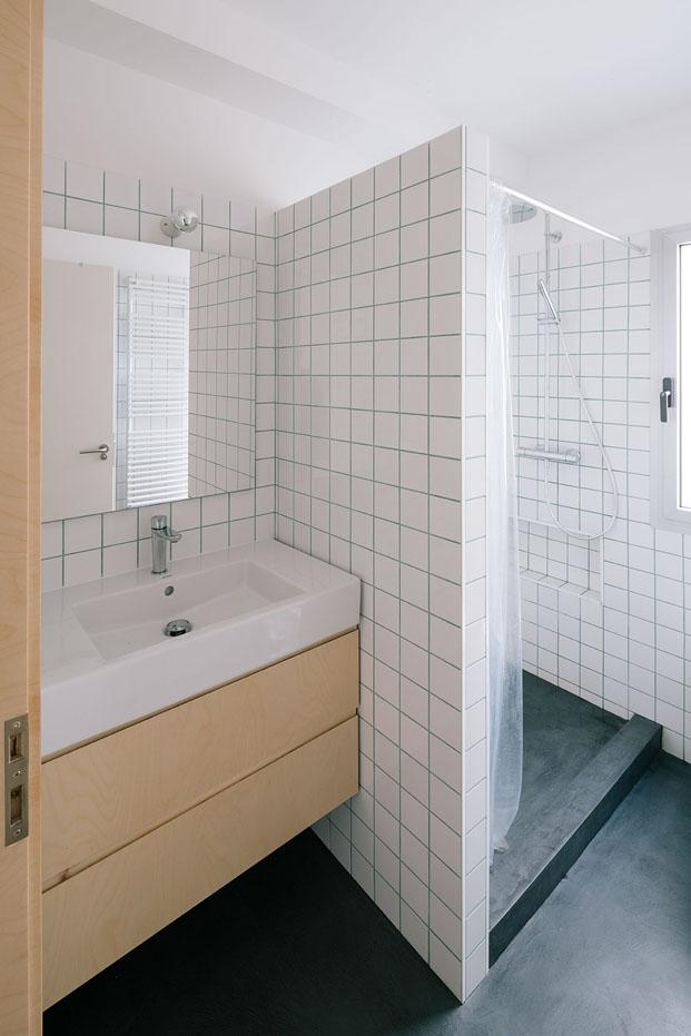 reforma bano de pequeno apartamento en madrid de PYO arquitectos