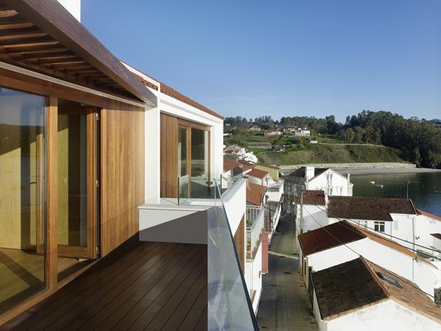 Viviendas de Diaz y Diaz Arquitectos en A Coruna en rías altas