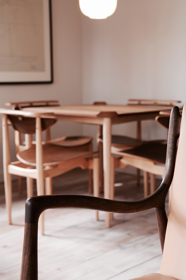 finnjuhl-45 chair hotel Hakuba Japan leather light brown wood
