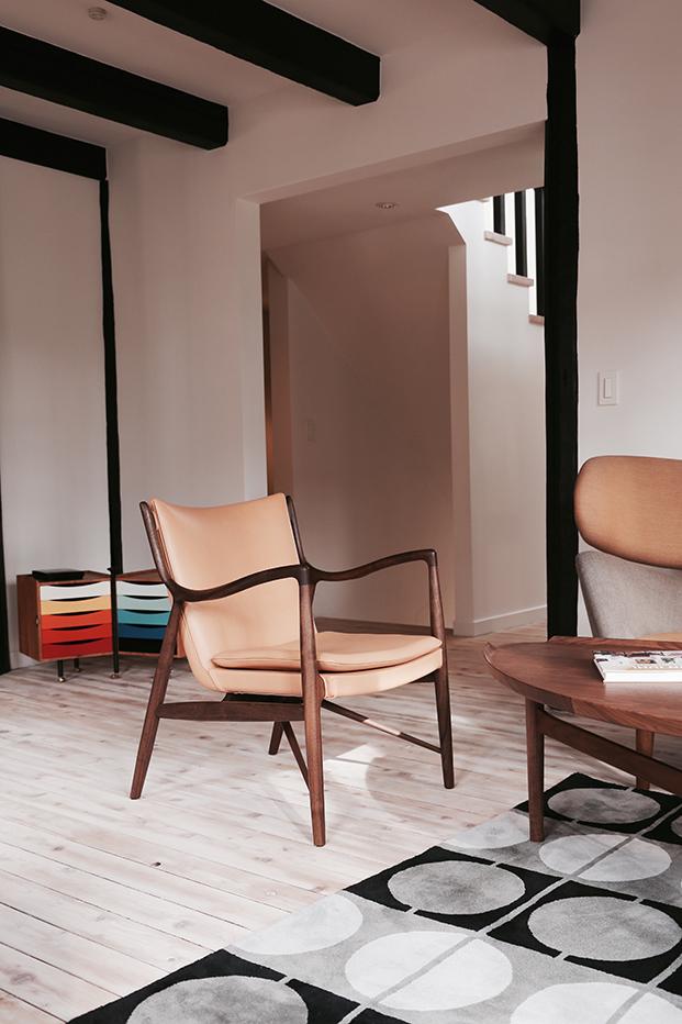 finnjuhl-45 chair hotel Hakuba Japan light leather wood