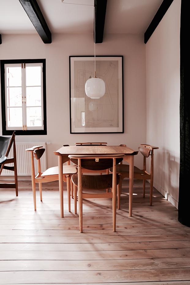 finnjuhl-Reading chair hotel Hakuba Japan wood