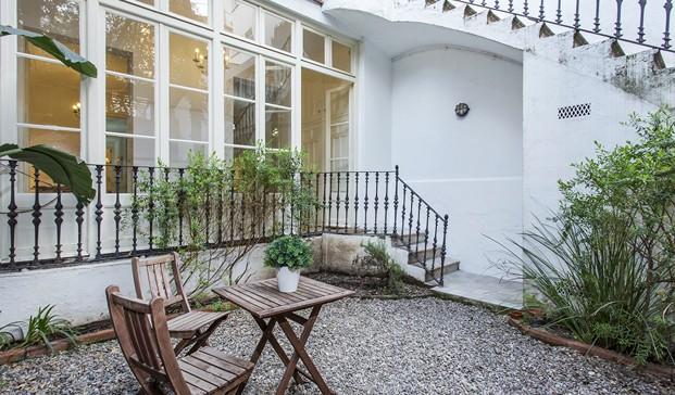 hostmaker terraza en barcelona airbnb diariodesign