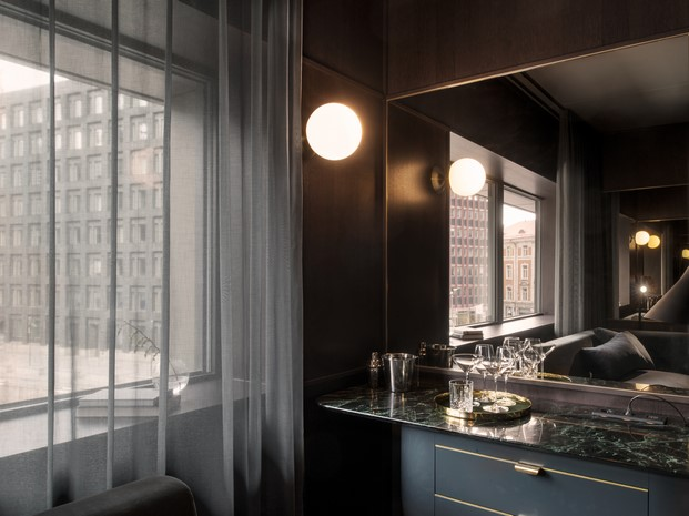banos hotel at six-diariodesign iluminacion Universal Design Studio
