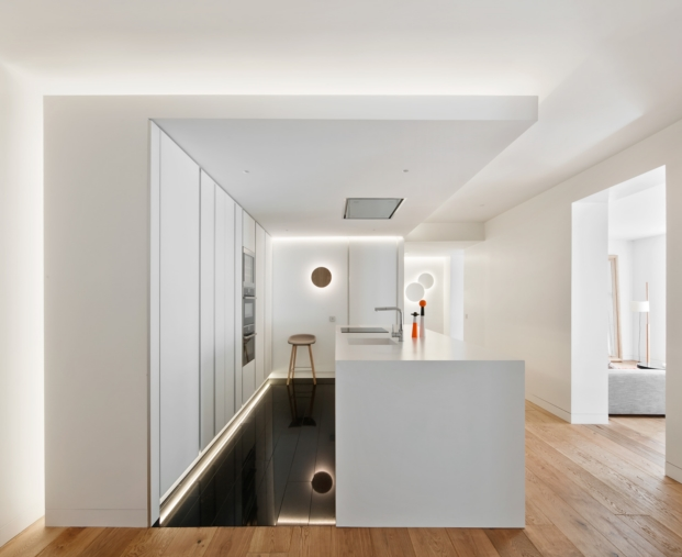 obras de arte iluminacion en cocina de apartamento en madrid diariodesign