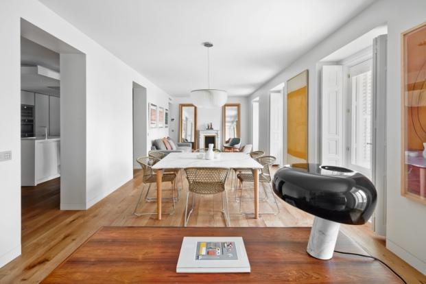 apartamento en madrid de diseno y con obras de arte de los arquitectos lucas hernandez y gil jose diariodesign