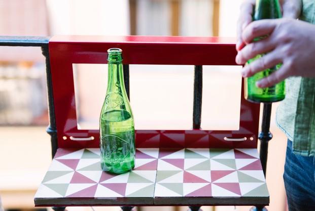 mesa pequeña para terrazas hidraulico cerveza diariodesign
