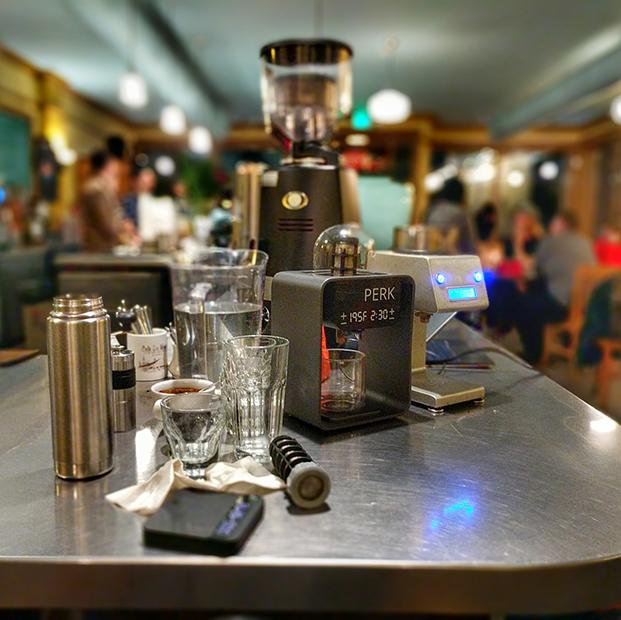 cafetera perk  en bar